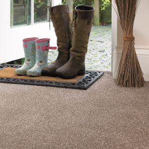 Rustique Deluxe Carpet Room Image