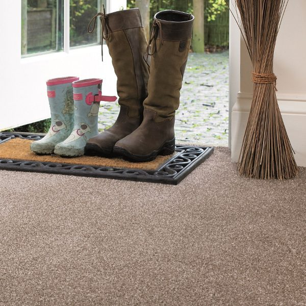 Rustique Deluxe Carpet Room Image