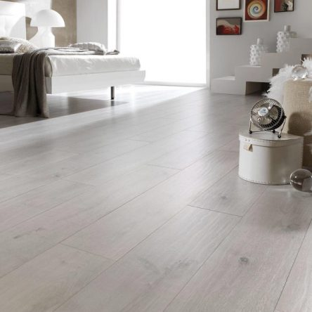 Finfloor Original Taupe Oak 8mm Laminate Flooring