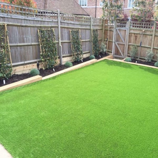 Lakeland 25mm Artificial Grass